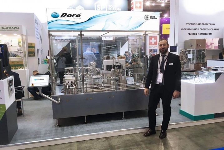 Sergi Rodríguez at the Pharmtech & Ingredient stand