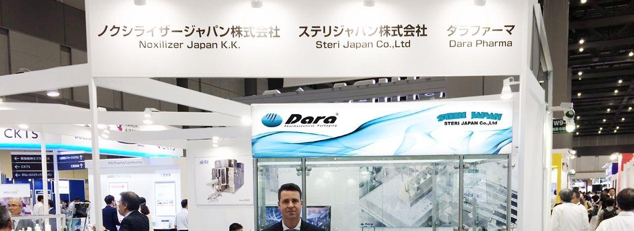 Dara Pharma presenta en Interphex Japón un nuevo equipo para trabajar viales con tapas Plascap® de Daikyo Seiko.