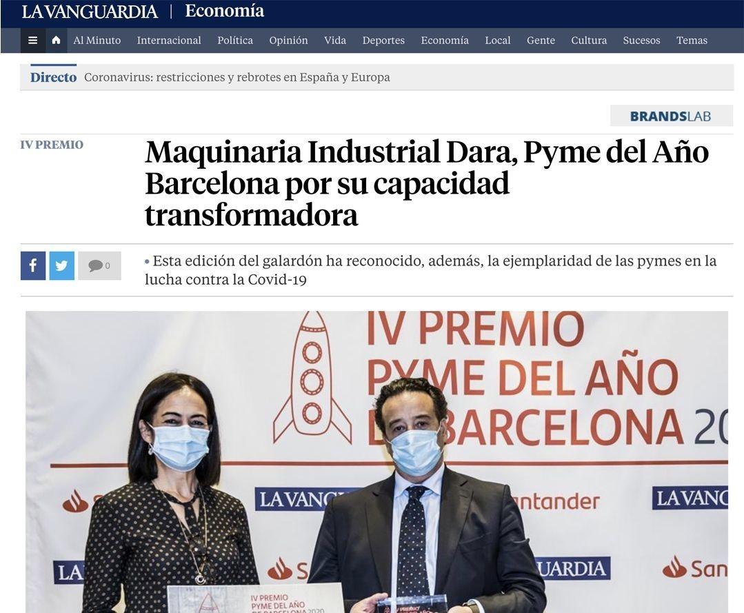 María José Macià, directora territorial de Banco Santander en Catalunya entregó el Premio Pyme de Barcelona a la empresa DARA.